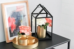 Tips for styling an entryway table